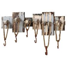 wood wall decor with 7 hooks rope target