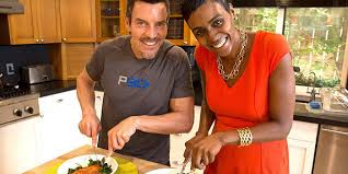 Tony Horton Shows You How To Cook Healthy Chicken Parmesan