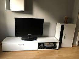 verkaufe eine wohnzimmerwand poco in weiß schwarz
