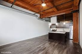 104 All Chicago Lofts Carriage House Apartments 1545 S State St Il Rentcafe