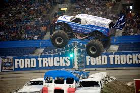 Photos Monster Jam San Antonio 2017 Hlights Show 2 Youtube Photos Texas El Toro Loco Freestyle Monster Jam 2016 Tx 2014 Winner 12416 Grave Digger 100 Truck Tickets 2015 Tx1 Zombie Hunter Tx 11015 Marks 20th Anniversary In Alamodome Trucks Reveals At World Finals