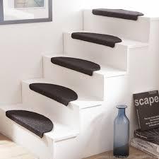 tapis escalier moderne