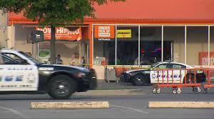 100 Penske Truck Rental Home Depot Dallas Police Officer Dies After Shooting