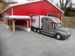 100 Iwx Trucking Saturday At The Shop Joes Diecast Shack