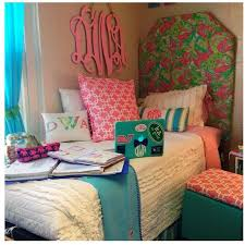 Lilly Pulitzer Bedding Dorm by 69 Best College Apartment Images On Pinterest Dorm Room Bedding