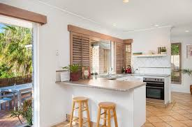 100 Beach House Gold Coast Vacation Home 3 BEDROOM Pet Friendly SMART