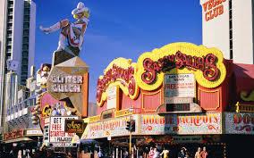 Halloween City Las Vegas Nv by Neon Cowgirl U0027vegas Vickie U0027 Retires From The Las Vegas Strip