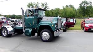 Nice Vintage Mack Truck - YouTube