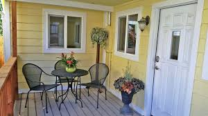Val From Pams Patio Kitchen by Agc Garden Cottages Best Location 4 B Vrbo