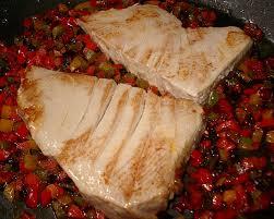 cuisiner thon frais filet de thon poêlé et brunoise de poivrons