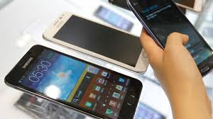 Smartphone consumers with in store expectations Retail