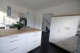 bauformat küche mit verschiedenen arbeitsplatten