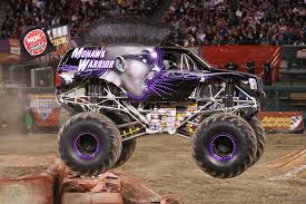 MONSTER JAM TRUCKS ON DISPLAY FREE Orlando #MonsterJam | Trippin ...