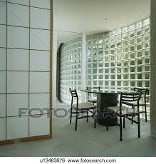 schwarz tisch und stühle in weiß architektonisch