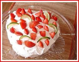 Hochzeitstorte Mit Erdbeeren Und Limetten Limetten Torte Mit Erdbeeren