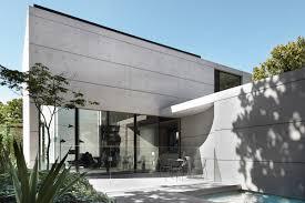100 Smart Design Studio The Present Tense
