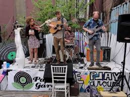 River Whyless Little Tybee and Il Abanico Played Paper Gardens
