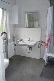 ebenerdiges bad 120x120cm grosse dusche kippspiegel
