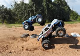Traxxas Bigfoot Firestone 1:10 Scale 2WD Monster Truck Kit - Blue ...