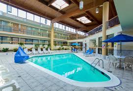 Lamp Post Inn Hotel Ann Arbor by Hotel Wyndham Garden Ann Arbor Mi Booking Com