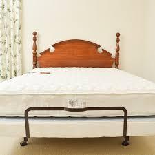 Craftmatic Adjustable Bed with Headboard EBTH