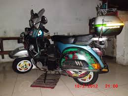 Vespa Adventure Indonesia VMC Surabaya The Team