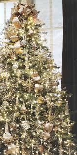 Crab Pot Christmas Trees by Best 25 Gold Christmas Tree Ideas On Pinterest Christmas Tree