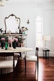 ovaler travertin tisch mit stühlen vor bild kaufen