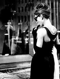 diamant sur canapé la robe d hepburn dans diamants sur canapé la machine à