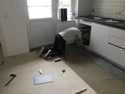 Küche Boden Verlegen Bodomo Home Celina Und Luka Verlegen Ihren Neuen Boden