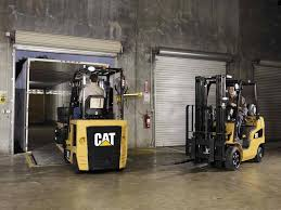 100 Cat Lift Trucks MAXIMUM PERFORMANCE 4500 6500 LB CAPACITY ELECTRIC