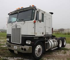 1983 Kenworth K10 Semi Truck | Item DQ9447 | SOLD! September... 1983 Kenworth K10 Semi Truck Item Dq9447 Sold September Truck Bank Repos For Sale Special Lender Financi Flickr 2000 Freightliner Fld Db0028 Decem 1972 Mack R Sale Sold At Auction July 16 2015 1986 Volvo White J6216 August 18 T Ok And Trailer Sales Alinum Semi Trailers For Livestock Cfigurations Awesome Trucks In Okc 7th And Pattison Refuse Trash Street Sewer Environmental Equipment 1999 T800 K8818 June 30 C Med Heavy Trucks For Sale 2009 Fld120 Sd Db4076