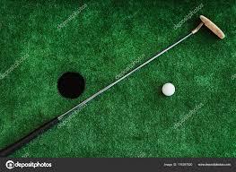mini golf de bureau bouchent golf de bureau de golf et balle de golf sur un