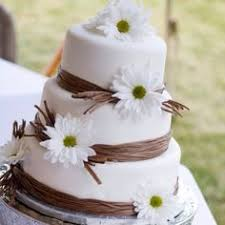Daisy Wedding Cake This Is What I Want Maybe With Pink And Orange Daisies