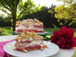 rhubarb strawberry cake rhabarber erdbeer sahne torte