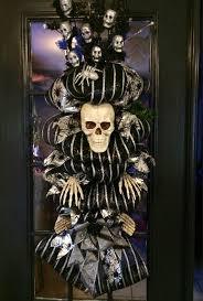 Grandin Road Halloween Wreath by 122 Best Skeleton Wreath Images On Pinterest Halloween Stuff