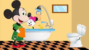 Mickey Mouse Bathroom Images by Mickey Mouse U0026 Minnie Mouse With Baby U0027s Bubble Bath Animation