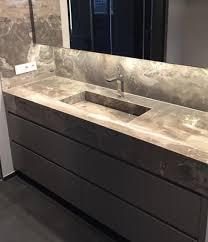 waschtisch fliesen badezimmer klein badezimmer design