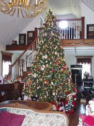 Our Ceilings Are Tall So Several Years Ago We Found This 14 Tree At An After Christmas
