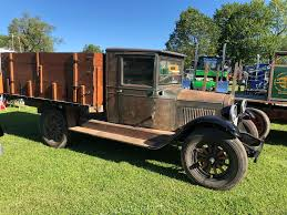 100 Old Semi Trucks Antique Truck Club Of America Antique Classic