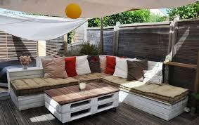 fabriquer canapé d angle en palette diy bricolage salon de jardin en palette canape angle table basse
