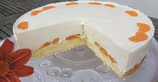 ein klassiker käse sahne torte mit mandarinen kaffee