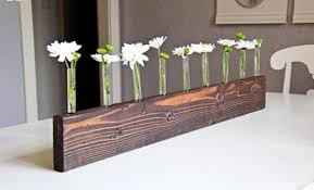 To Make This Beautiful Table Decoration Yourself You First Need Get A Number Of Things For The Vase Will 5 6 Test Tubes Small Block