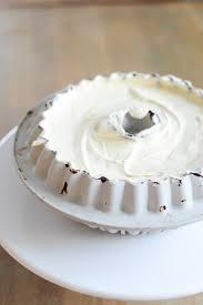 vanilleeis torte mit goldenem schokoladenüberzug ganz einfach zum angeben