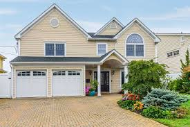 100 Houses For Sale Merrick NY Real Estate Homes For Signature Premier Properties
