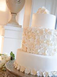 White Daisy Flower Wedding Cakes