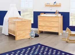 chambre bébé bois naturel lit bébé évolutif et commode à langer massif naturel fagus