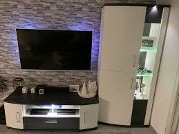 wohnzimmer tv board vitrine weiß schwarzmöbel wie neu höffner