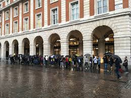 Crowds gather at Covent Garden Apple Store as iPhone 7 goes on