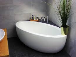 badezimmer idee mit der freistehenden badewanne cartagena